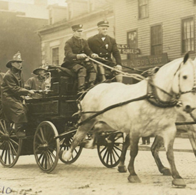 Horse Drawn Fire Engines (1896)