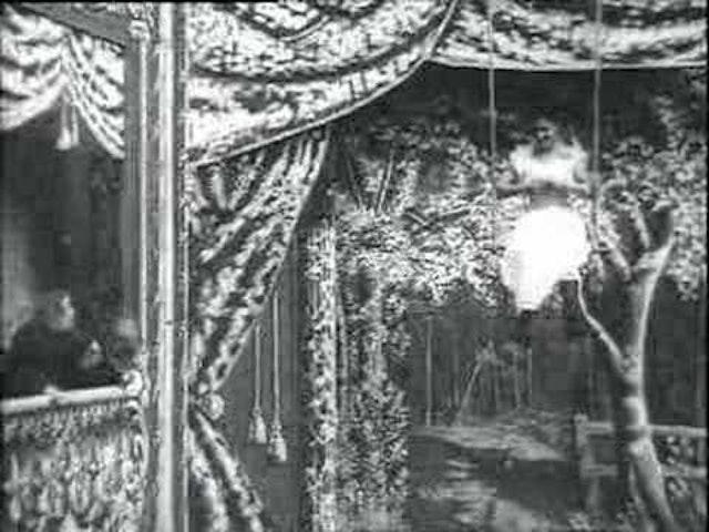 Trapeze Disrobing Act (1901)