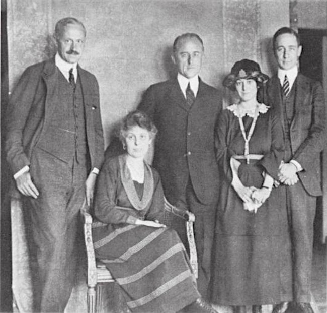 dorothy parker with robert benchley conde nast frank crowninshield and edna chase